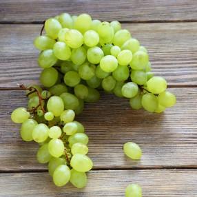 Uva Blanca sin pepita peso aproximado bandeja 750 grs